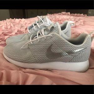 Women Nike Roshes